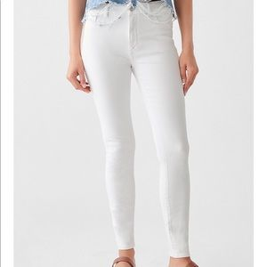 DL 1961 Florence Mid Rise White Skinny Jeans 26